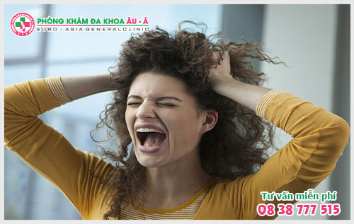 Bạn cần phải biết về bệnh vẩy nến ở da đầu trước khi quá muộn