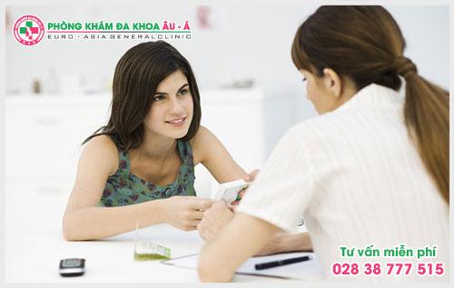 Để biết cách trị bệnh ngứa ngoài da nào phù hợp thì theo lời khuyên của các bác sĩ bệnh nhân nên tìm đến những phòng khám chuyên khoa để được tư vấn