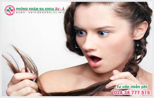 Cảnh báo các dấu hiệu bệnh rụng tóc