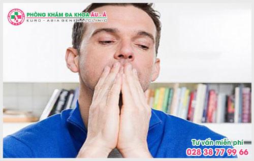 Cảnh báo nguy cơ mắc bệnh nguy hiểm khi đi tiểu rát