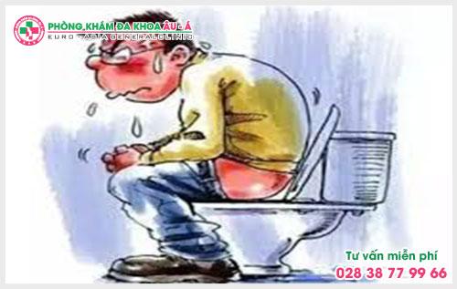 Đau bụng đi ngoài nóng rát hậu môn dấu hiệu của bệnh trĩ
