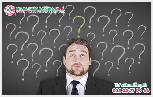 Quy đầu nổi bọng nước là triệu chứng của bệnh lý gì?