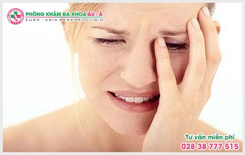 Tại sao bị bệnh vẩy nến trên mặt