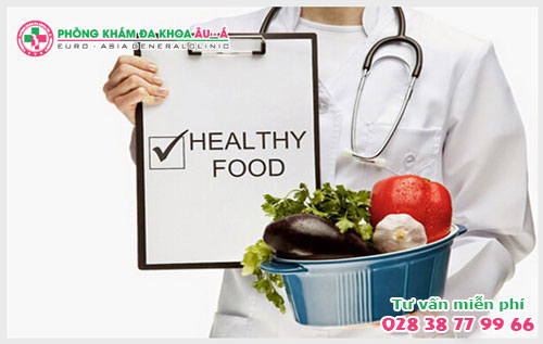 Nhóm thực phẩm bệnh nhân mắc rò hậu môn nên tránh xa