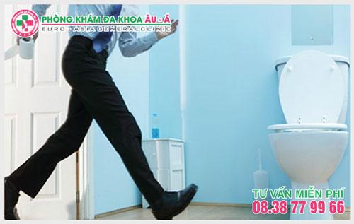 Nguyên nhân của chứng tiểu nóng, tiểu khó ở nam giới
