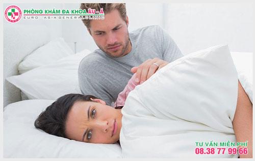 Vì sao quan hệ nhanh ra và cách chữa trị hiệu quả
